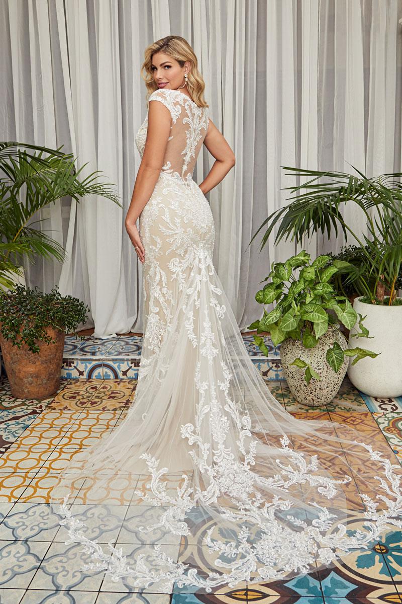 Carey, Style BL356 | BridalGuide
