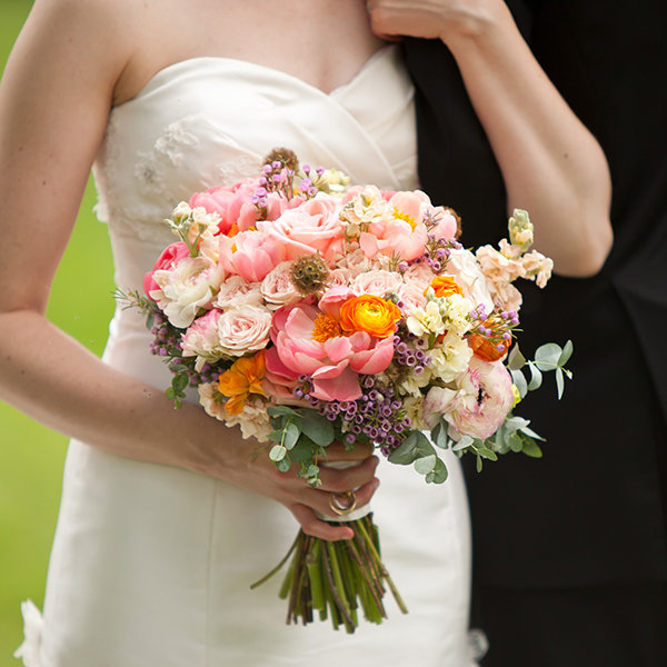 modern wedding bouquet modern wedding bouquets with texture bridalguide 5973