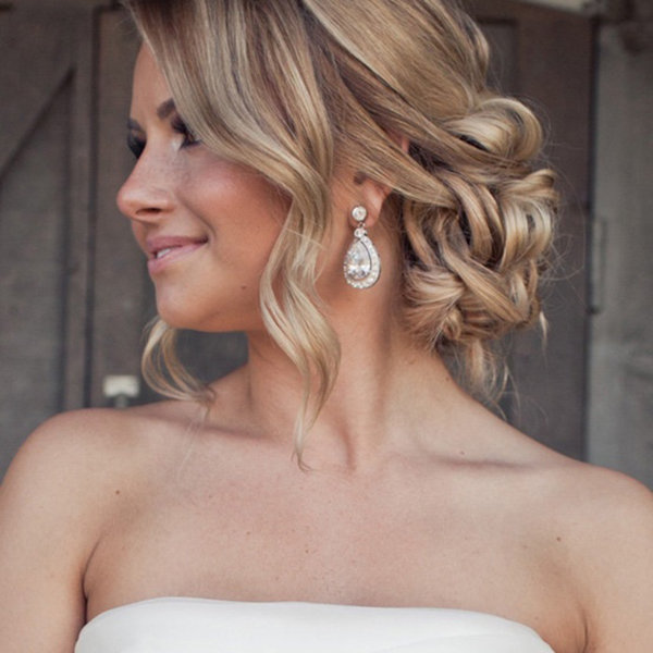 Layered Cut On Wedding Hairstyle