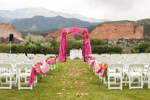 100 beautiful outdoor wedding ceremonies bridalguide surrounded by nature junglespirit Gallery
