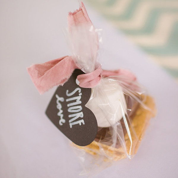 Wedding Party Favor Ideas: 10 Wedding Favors You'd Never Guess Cost Under $1