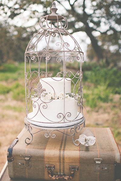 25 Creative Ways To Show Off Your Wedding Cake Bridalguide