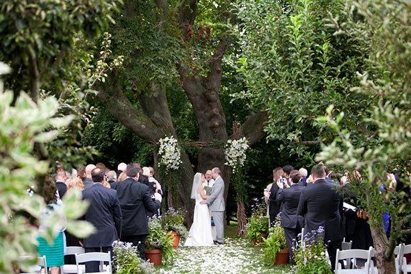 Gorgeous Wedding Ceremonies: 50 Gorgeous Wedding Ceremony Structures