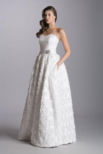 30 wedding gowns under 1 000 bridalguide for Best wedding dresses under 1000