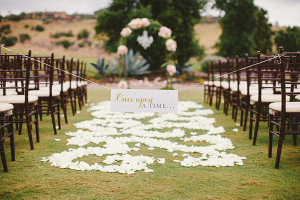 50 Ideas for a Classic Fairy Tale Wedding | BridalGuide
