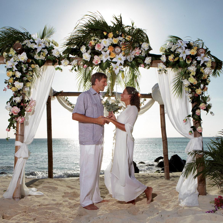 Romance in Aruba Awaits...
