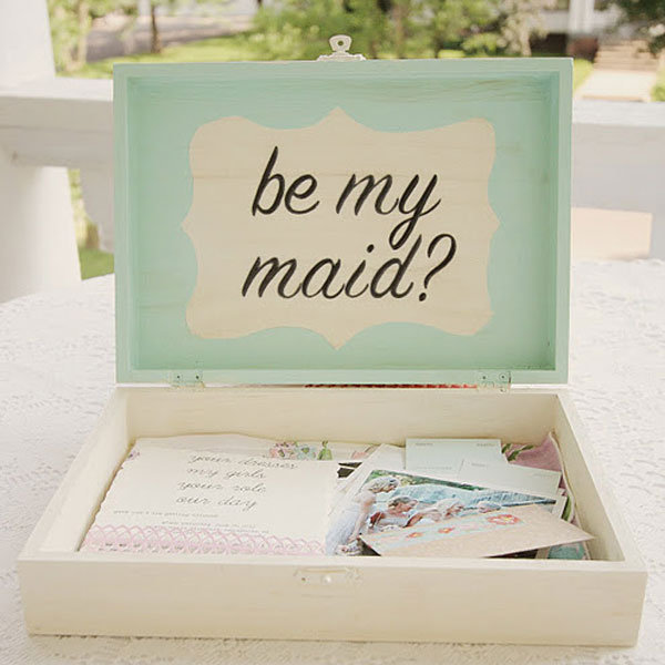 "Easy: ""Will You Be My Bridesmaid?"" Box"