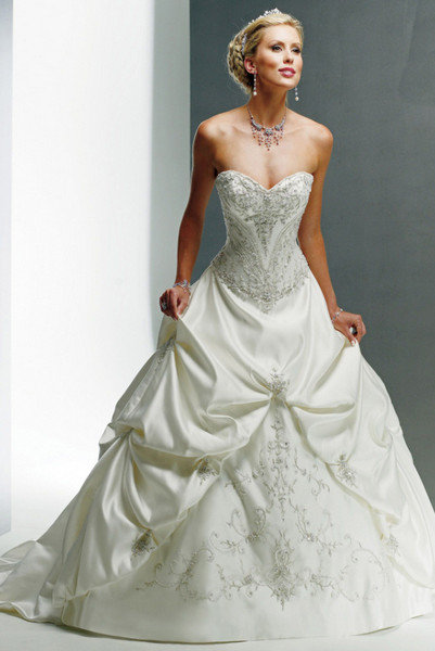 Beautiful Plus-Size Wedding Dresses | BridalGuide