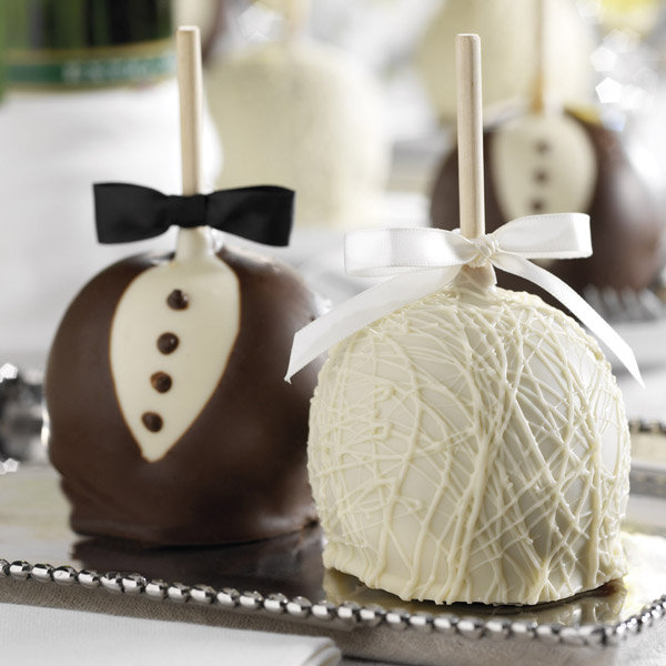 25 edible wedding favors your guests wont leave behind bridalguide caramel apples junglespirit Gallery