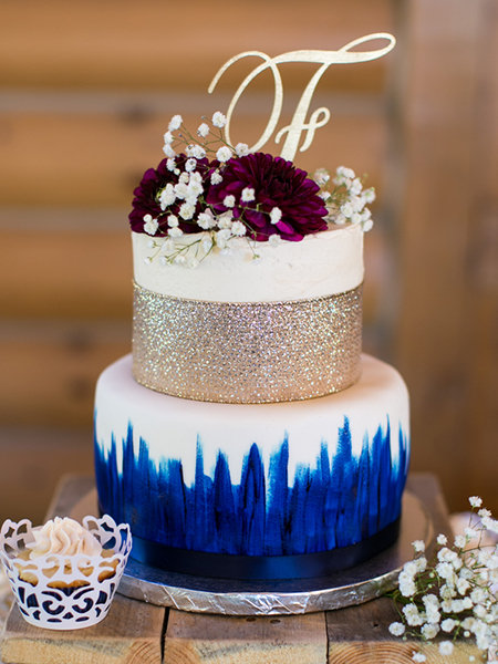 30 small wedding cakes with big impact bridalguide metallic cakes junglespirit Images