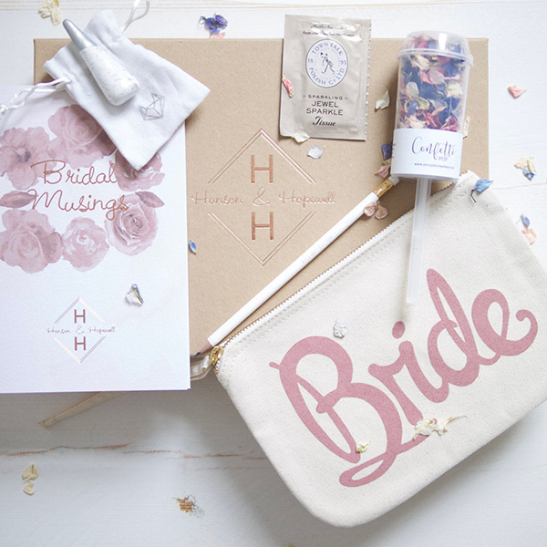 25 Fun Accessories That Say Quot I M Engaged Quot Bridalguide
