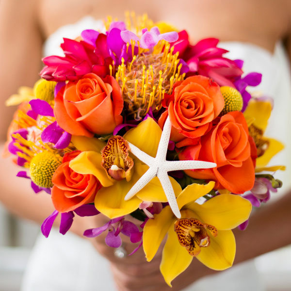 summer-wedding-ideas-bouquet-with-starfi