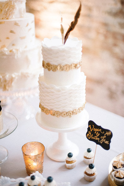 Urban chic wedding ideas bridalguide - Cake tolix ...