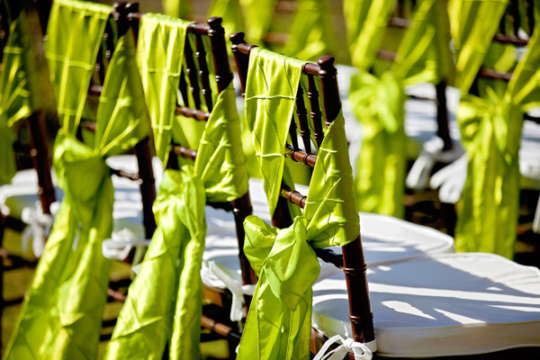 Ceremony Décor : bows on chairs for weddings - Cheerinfomania.Com