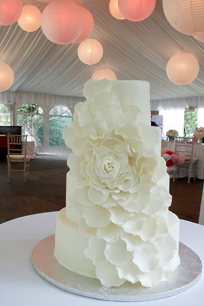 Wedding Cake Design Ideas one layer wedding cake for the wedding luncheon some scrolling design and we could Anything But Boring White Cakes