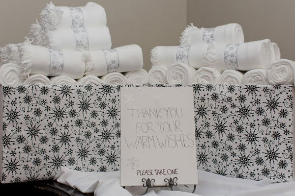 30 Ideas For Winter Wedding Favors