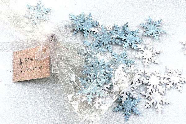 Winter Wedding Gifts: 30 Ideas For Winter Wedding Favors