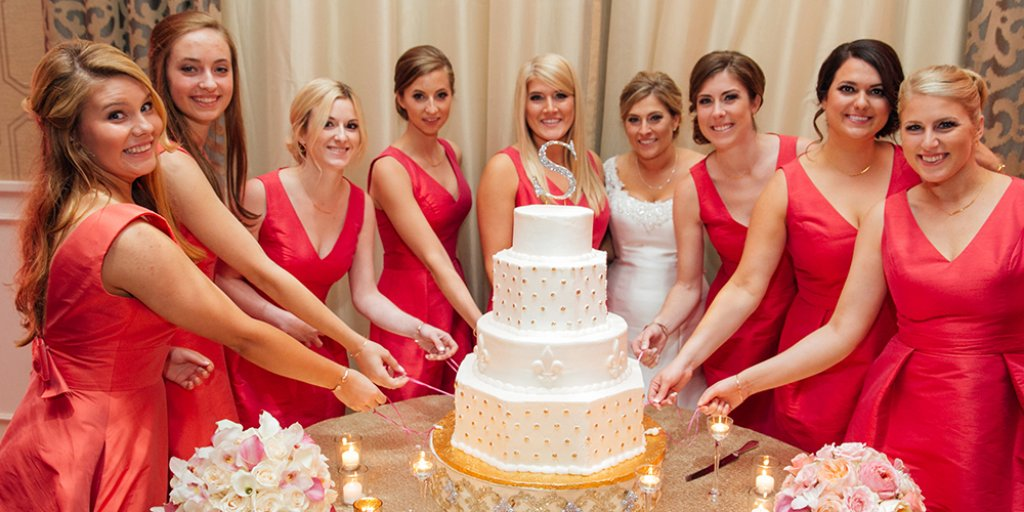 new orleans wedding cake pull