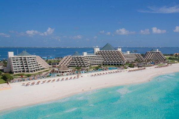 Win a honeymoon from Paradisus