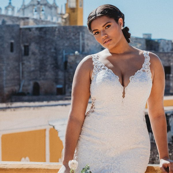 Curvy Wedding Gowns