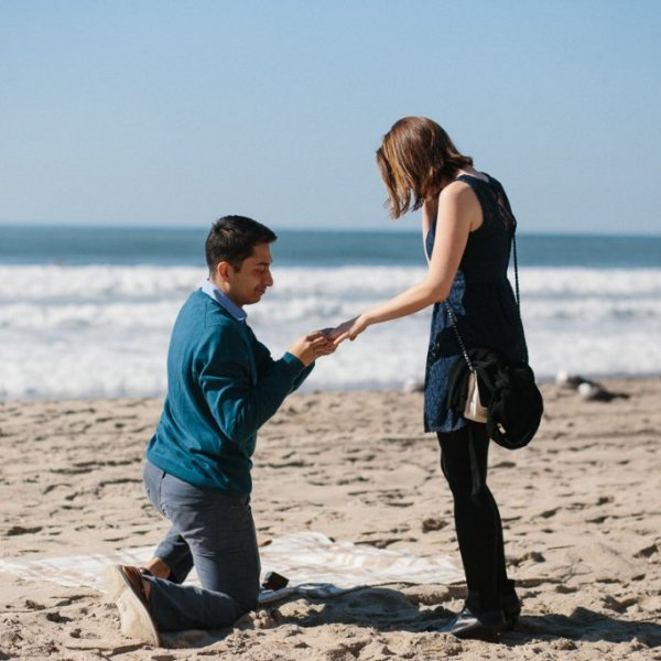 10 Beach-Side Proposals to Get You in the Summer Spirit