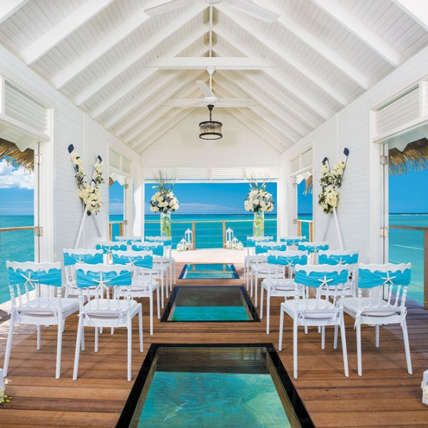 Wedding at Sandals Resorts