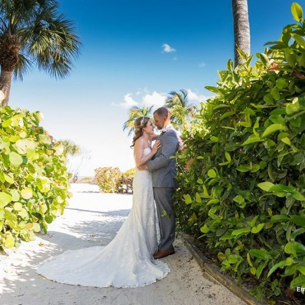 Bridal Guide Travel Deal of the Week - destination wedding packages at Sundial Beach Resort and Spa
