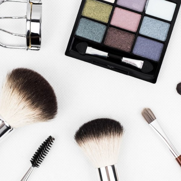 8 Instagram Accounts to Follow for Bridal Beauty Inspo