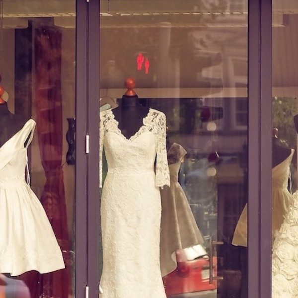 5 Things You Need to Know About Wedding Dress Shopping