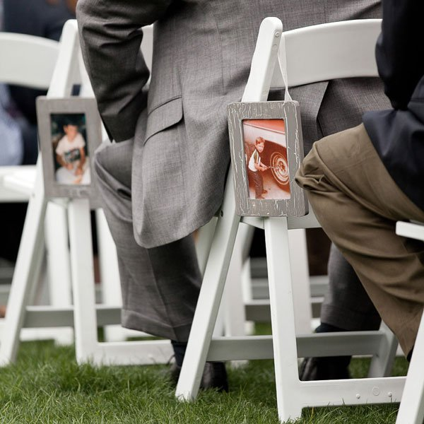 10 Fun Ways To Surprise The Groom On Your Wedding Day: 50 Wedding Photos That'll Make You Laugh