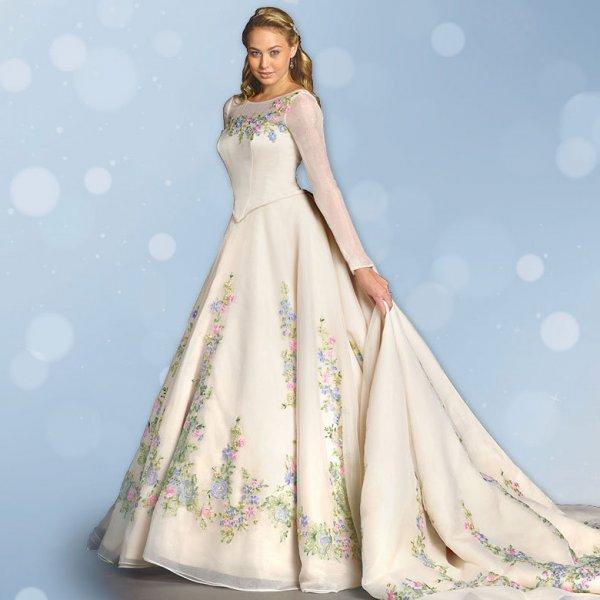 Cinderella Themed Wedding Dresses : Cinderella themed wedding ideas bridalguide