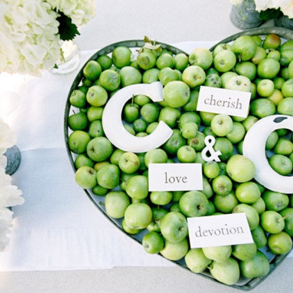 apple wedding