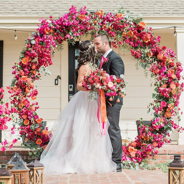 Wedding planning wedding d cor and flowers for Different types of wedding decorations