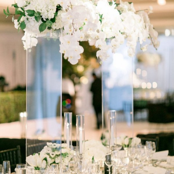 Wedding planning wedding dcor and flowers 20 stunning centerpieces from real weddings junglespirit Images