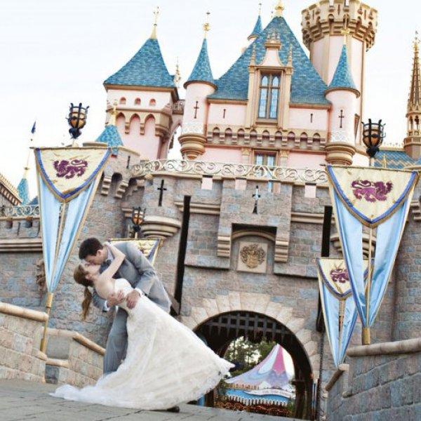 Cinderella Wedding Theme Ideas: Cinderella-Themed Wedding Ideas