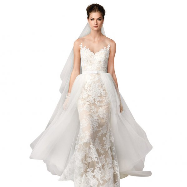 Traditional Wedding Gowns With Detachable Trains: Dress Trends