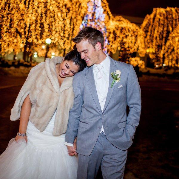 bride and groom winter wedding
