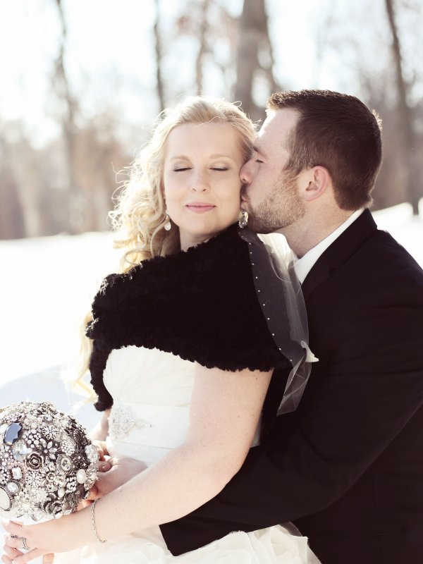 Winter Sparkle: Amber & Dustin in Sartell, MN