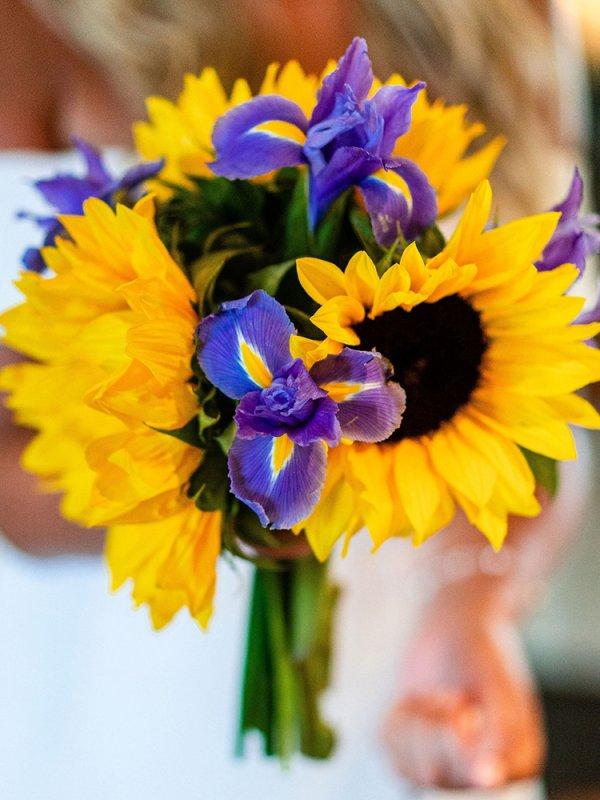 Sunflower bouquet for wedding