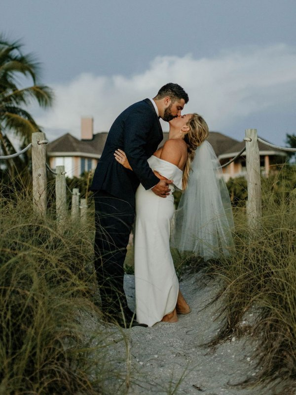 Beach Bliss: Alison & Colby on The Beaches of Fort Myers & Sanibel