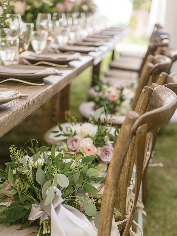 outdoor wedding table seating