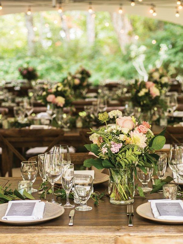 outdoor wedding table setting