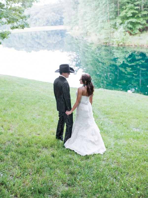 A Little Bit Country: Taylor & Brandon in Mooresville, NC