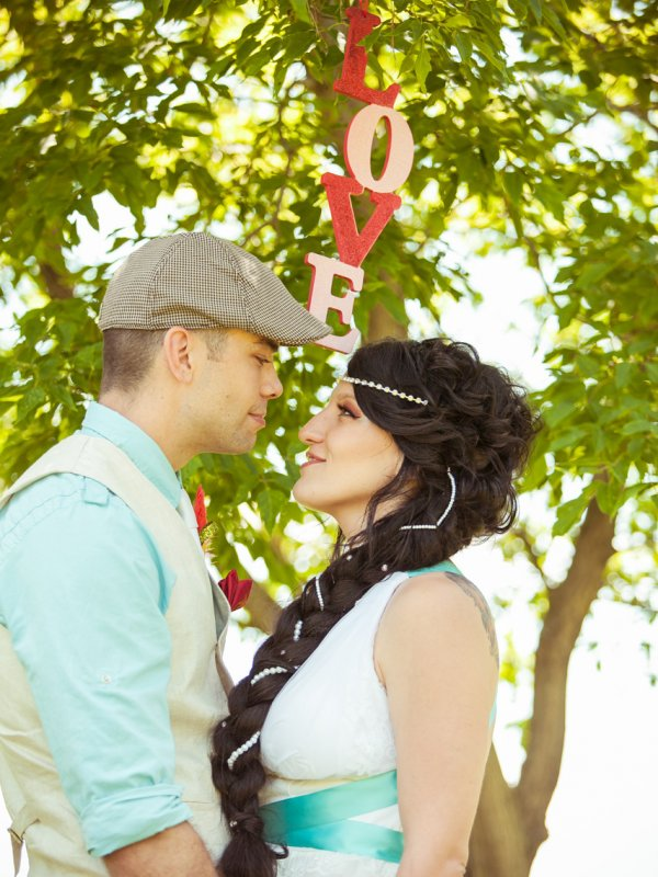 Love, Rainbows and Glitter: Nancy & Dylan in Manitoba, Canada