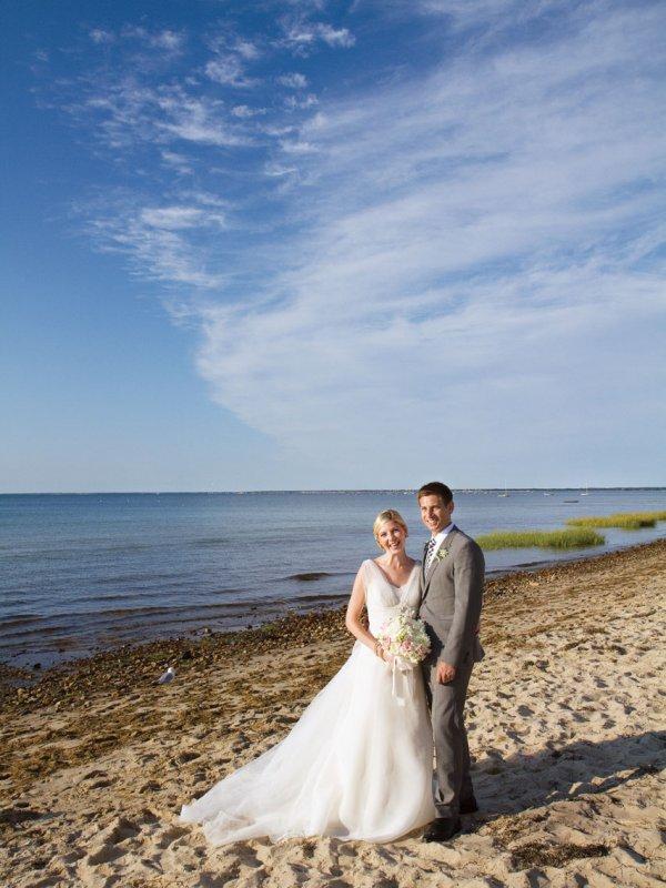 Beach Fete: Elizabeth & Michael in Cape Cod, MA