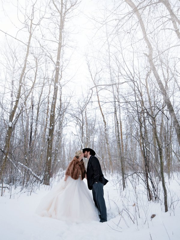 Winter Wonderland: Kari & Billy In Roseau, MN