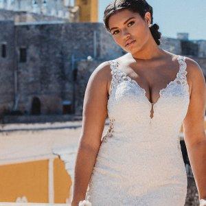 Curvy Wedding Gowns