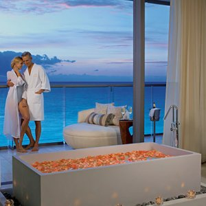 AM Resorts Secrets The Vine Cancun