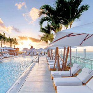 The Bride's Guide to Miami: Top Attractions and Activities