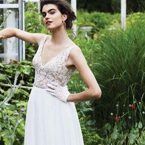 Paloma Blanca Wedding Gown